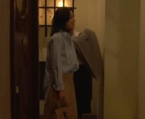 中谷美紀ドラマで合コンの衣装2