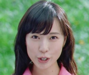 戸田恵梨香の歯茎を治したCM画像