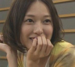 戸田恵梨香の歯茎を隠す画像