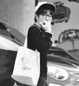 村上信五と小島瑠璃子のフライデー画像写真