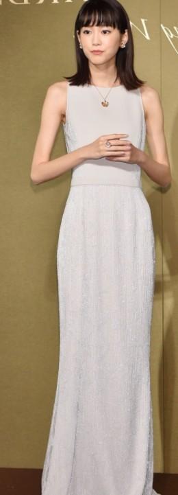 桐谷美玲のガリガリすぎ画像!激やせ全身スタイル