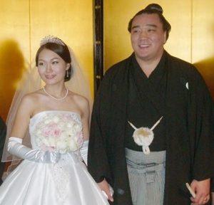 日馬富士の嫁(結婚式)