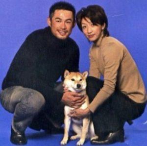 イチローと嫁の写真画像と愛犬一弓くん