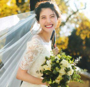佐藤ありさの結婚式ウエディングドレス姿画像写真