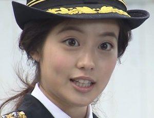今田美桜の目は整形!?画像(博多警察署で一日署長)