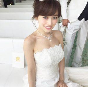 泉里香の結婚式ウエディングドレス画像写真