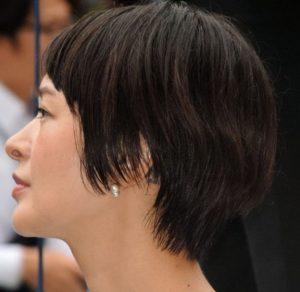 市井紗耶香の左耳後ろのタトゥー画像