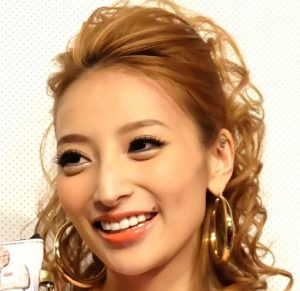 加藤紗里の画像写真